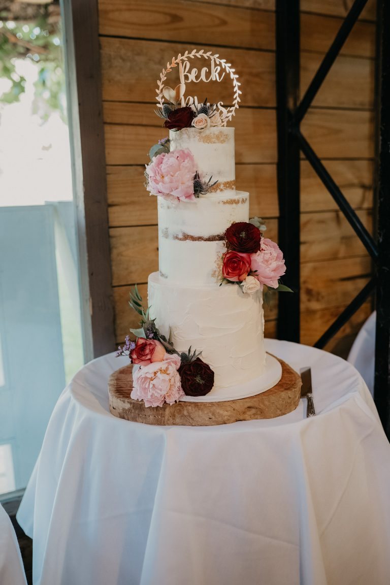 semi-naked-wedding-cake-flowers