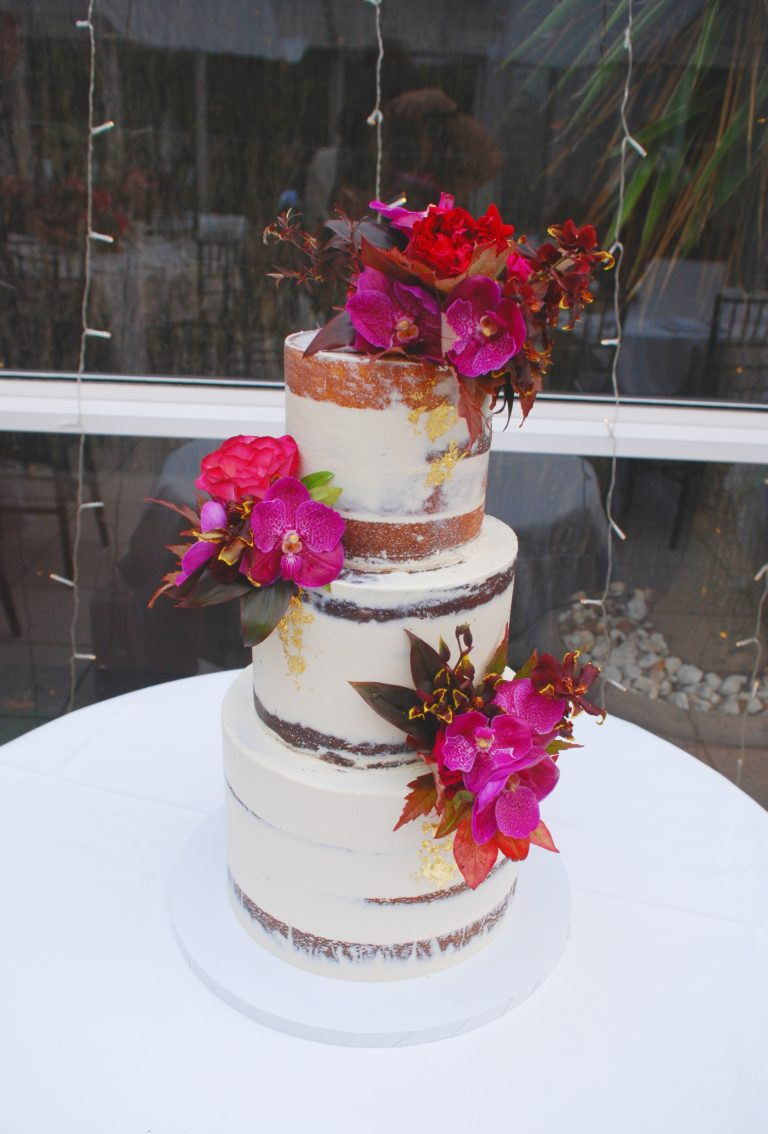 3-tier-semi-naked-wedding-cake
