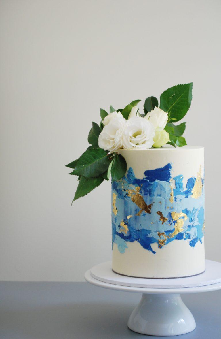 modern-buttercream-cake