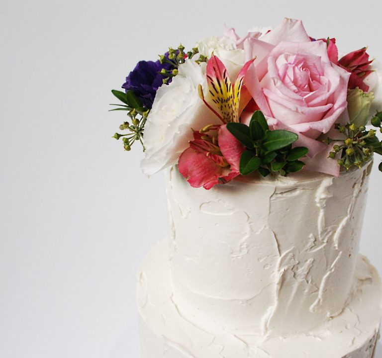 fresh flowers bridal shower cake