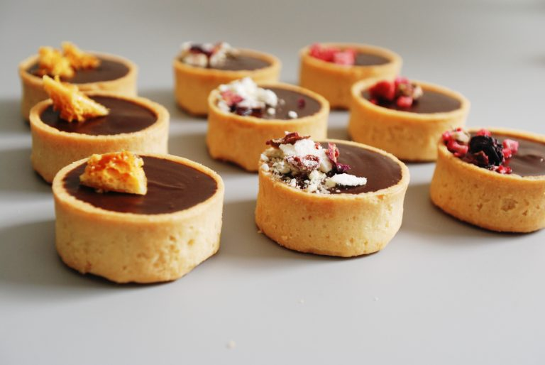 mini-chocolate-tarts